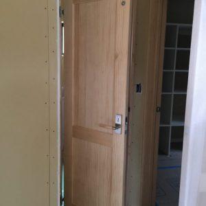 無垢の室内ドア。