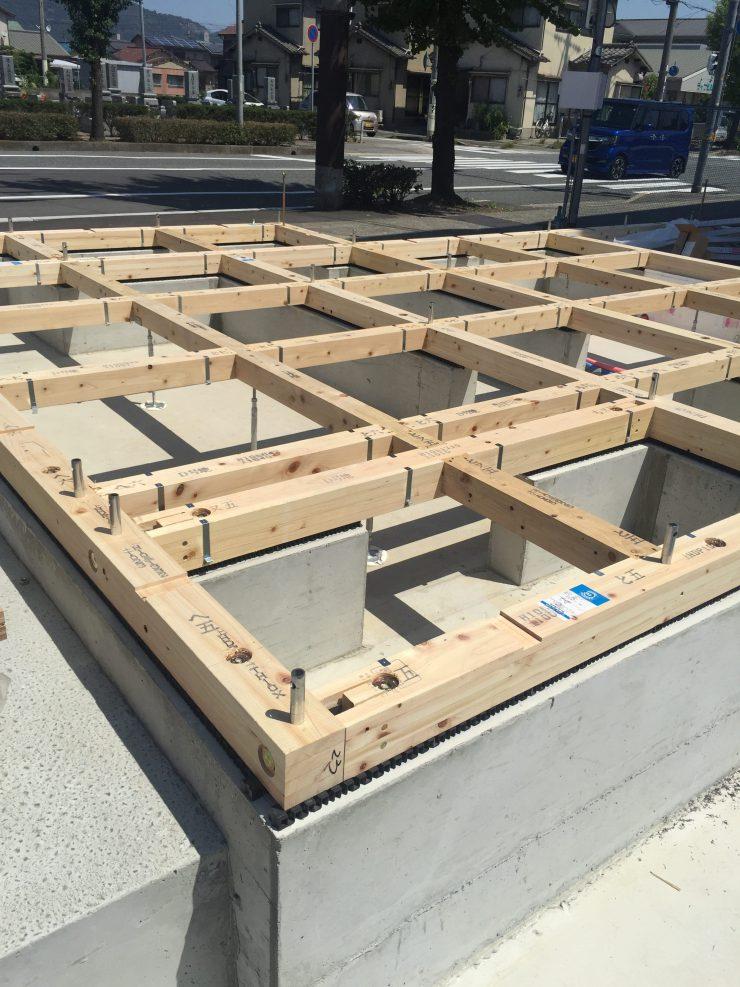 モデルハウス 土台敷き。