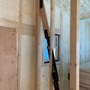 MIYACOCO 戸建新築工事 制震ダンパー。