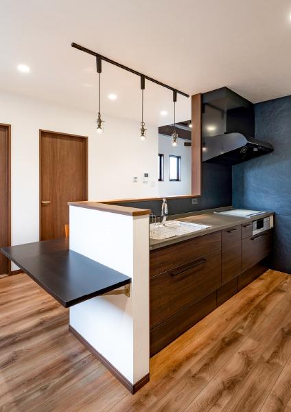 スタイリッシュな ブラックを基調としたキッチン